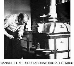 CANSELIET NEL SUO LABORATORIO ALCHEMICO